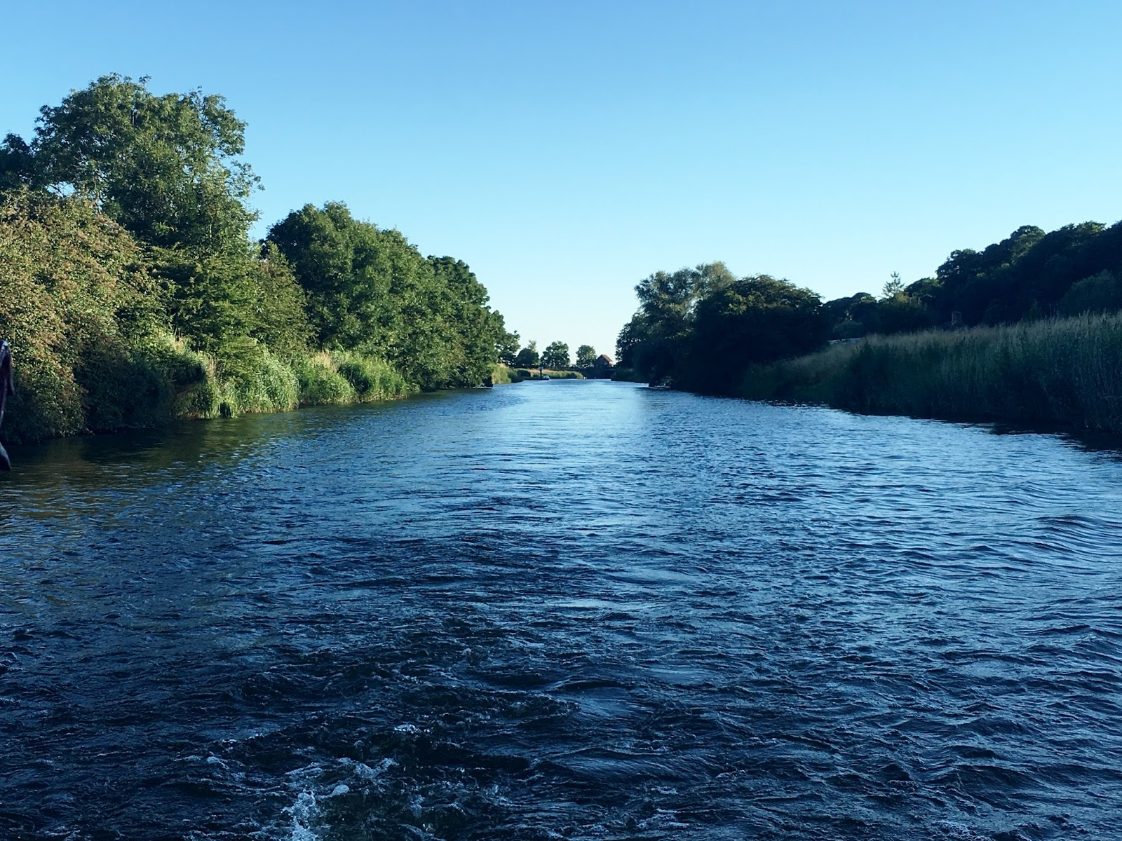 Cruising the River Rother with plenty of champagne…