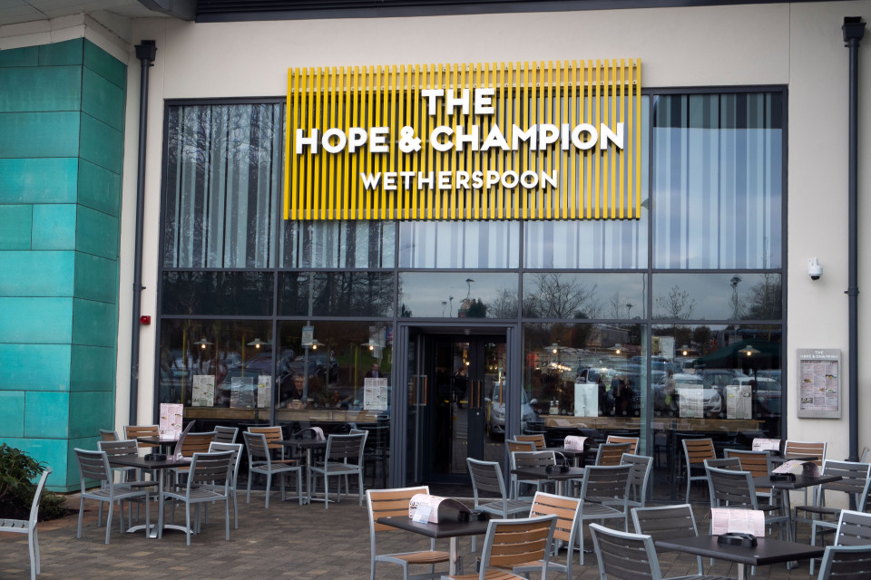 Hastings Battleaxe recovers, recommends – Wetherspoons at Beaconsfield M40 Services